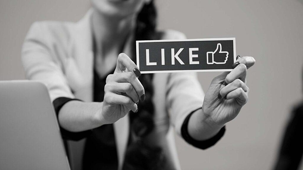 social media Build Brand Awarenessfor business